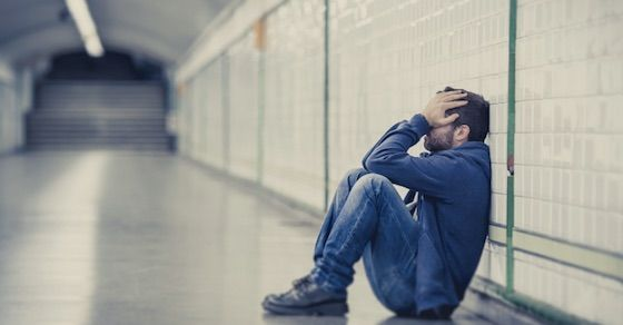独占欲の強い男性心理②:寂しくて、不安になってしまう