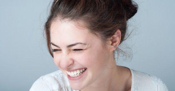 あざとい女性に惚れる理由11:笑い方がきれい