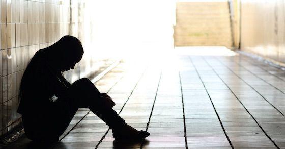 メンヘラ女の特徴2:寂しがりや