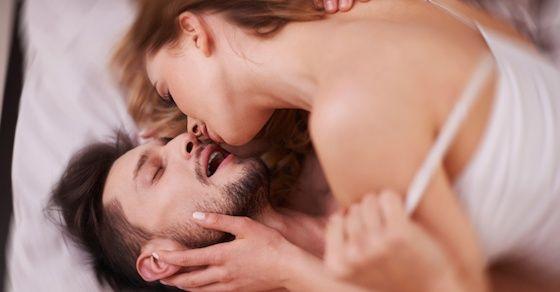 眉毛で分かるセックスの傾向1:濃い眉毛