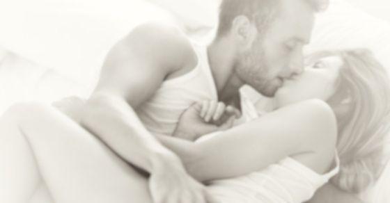 2:(好きな人)恋人や配偶者にキスする夢