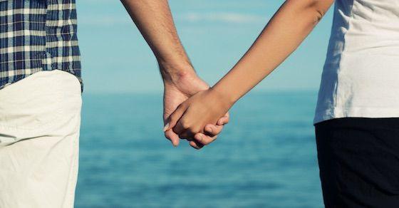 手を繋ぐということ