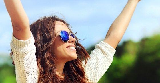 女性にとって笑顔が大切な理由①:笑顔が人を集める
