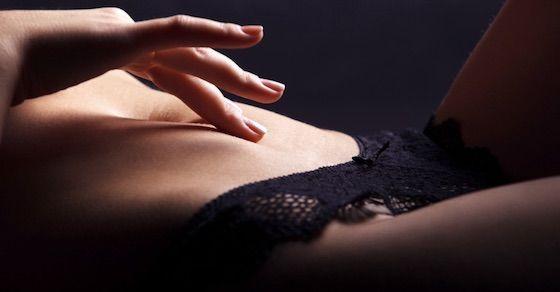 セックスレスで悩んでたら試すべき方法その①:アダムタッチから始まるスローセックス