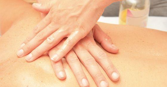 筋肉痛はこれで治す!その方法②:アルニカオイルでマッサージ