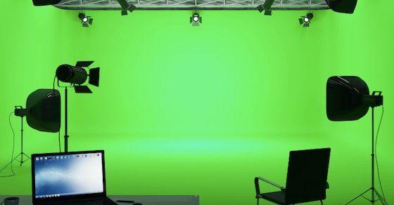 スタジオで撮影する