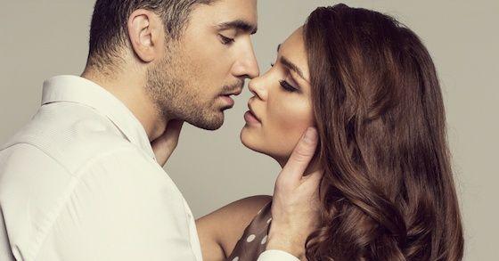 上手なキスの仕方①:優しく、愛おしいものを扱うように