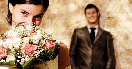 プロポーズのプレゼントで彼女が感動するものとは?