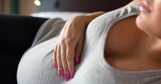 無修正の妊婦エロ動画第13位:【個人撮影】40才のドエロ熟女妊婦さん きょうこ・臨月