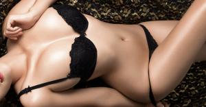 美女が着衣のまま電マを押し当てられるエロ動画おすすめ15選