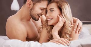 爽やかな「おはよう」のキスのための、口臭予防のテク 4選