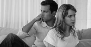 セックスしない夫婦は約半数だと判明!セックスレスの原因と解決法